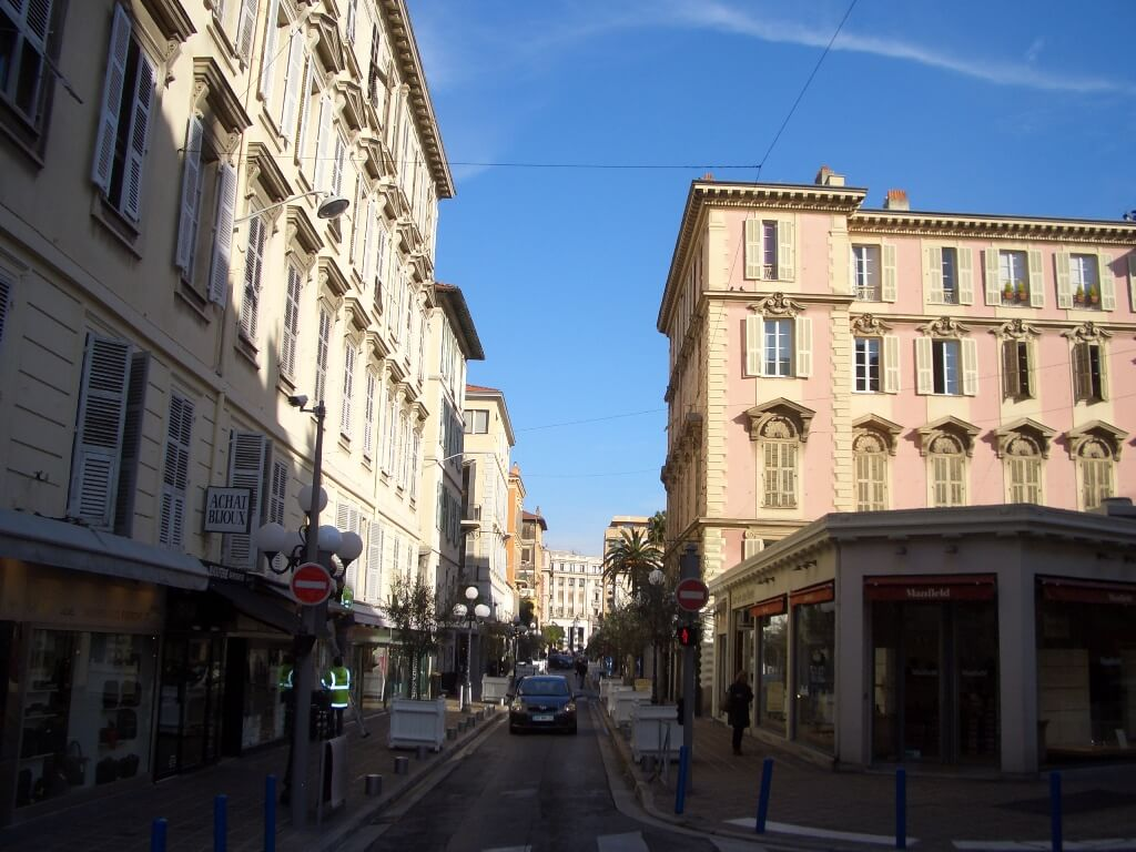 nice-centre-carre-d-or-rue-longchamps