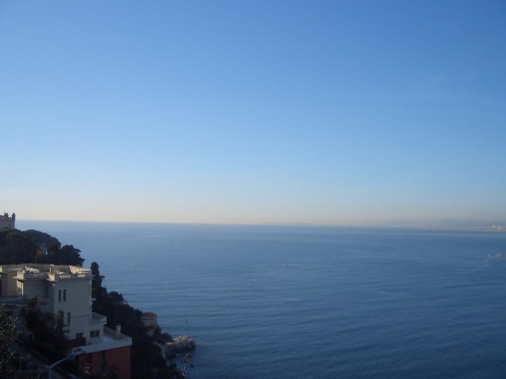 nice-mont-boron-villa-vue-mer-pied-eau