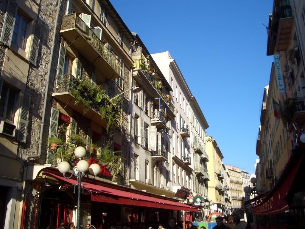 nice-centre-carre-d-or-musiciens-zone-pietonne