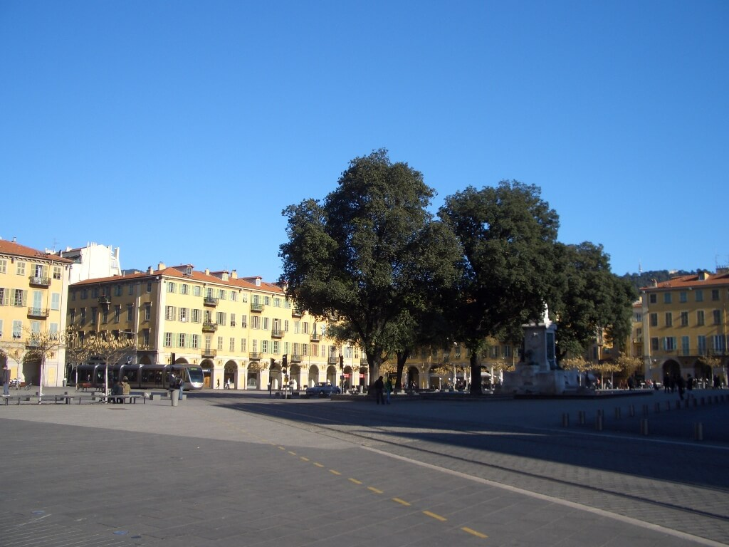 nice-port-place-garibaldi